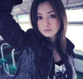 http://yumenokatachi.cowblog.fr/images/Artistes/Japonais2/2-copie-1.jpg