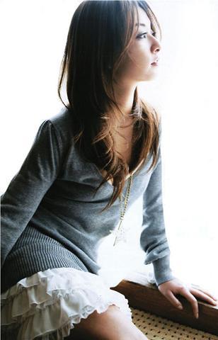 http://yumenokatachi.cowblog.fr/images/Musique/Critiques/3-copie-1.jpg